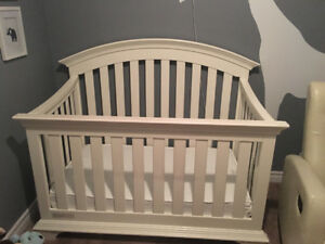 Simmons White Crib with mattress
