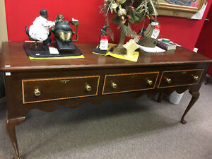 Nice Victorian credenza, real wood with lacquer finish