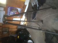 Fifth wheel tripod