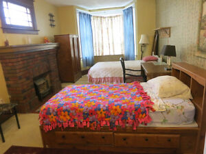 BIG ROOM FOR 2 STUDENTS TO SHARE----AVAILABLE NOW or APRIL