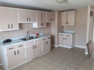 2 bedroom upstairs apartment $650 + utilities available Oct 1st