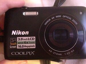 Nikon Coolpix S4200 in brand new condition, hardly used !