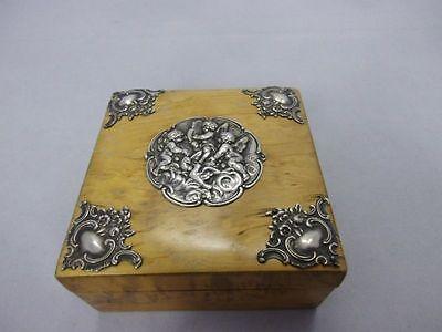 wunderschöne Holz Dose mit Silber Montur im Putto Dekor Silber 800 punz. Hanau