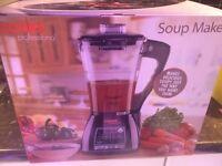 Cooks professor soup maker