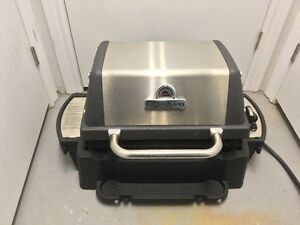Deluxe Broil King large portable Grill with legs