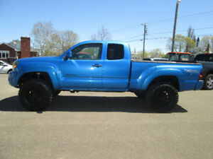 2005 TOYOTA TACOMA EXTENDED CAB .TRADE WELCOME