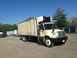 International 4300 Reefer Truck, freshly rebuilt dt466 engine
