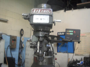 """LILIAN 3 HP   MILLING MACHINE MADE IN TAIWAN"