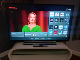 """43"""" SMART TOSHIBA FREEVIEW TV WITH WIFI APPS AND REMOTE WE DELIVER"""