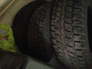 4 studded winter tires and rubber mats