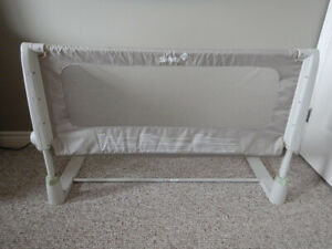 Safety 1st Child Bed Guard (Excellent Condition)