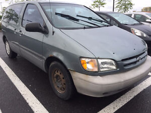 1999 Toyota Sienna CE Minivan, Van
