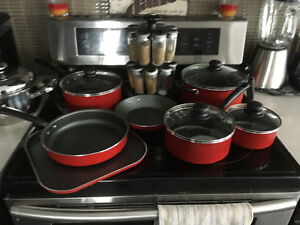 Brand new 11 piece pot set in red