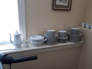 Empire (Ribbed) collection China set by Walbrzych