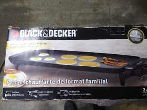 Black & Decker Family Size Griddle never used