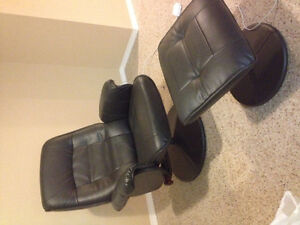 Black recliner with foot stool