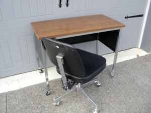 Black & chrome Office chair ((Desk is Sold))