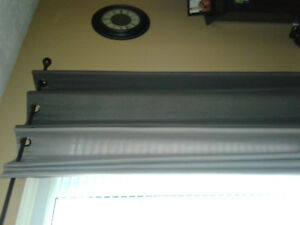 Curtain rod and four panels