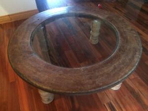 Table de salon bois massif et verre
