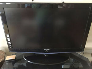 TV for sale SAMSUNG 40""
