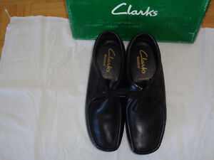 MENS BRAND NEW NEVER WORN NEW CLARKS WALLABEE SHOES FOR SALE