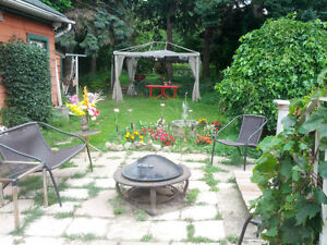 ***WOW!* COUNTRY IN THE CITY! ** 203' DEEP LOT - R-7***! Kitchener / Waterloo Kitchener Area image 8