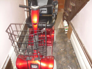 FOR SALE GOOD MOBILITY SCOOTER LIKE NEW