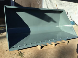 "96"" ARROW LOADER BUCKET QUICK ATTACH NEAR NEW WITH BOLT ON BLADE"