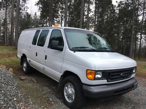 2005 E350 cargo van insulated only 33K!