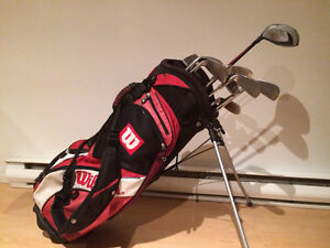 Wilson Golf Bag with irons_putter_drivers
