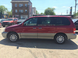2004 Kia Sedona ********BRAND NEW SAFETY*******