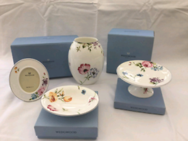 Wedgewood Dressing Table items