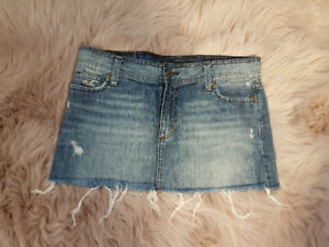 EXCELLENT CONDITION HOLLISTER DENIM SKIRT