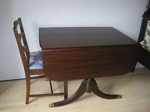 DUNCAN PHYFE STYLE DINING DROP LEAF TABLE AND TWO CHAIRS