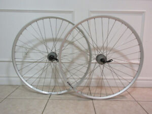 A PAIR NEW MADE IN FRANCE MACH 1 250 DISC SHIMANO DEORE FM-H525
