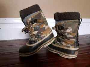 Sorel kids insulated boots size 13 Peterborough Peterborough Area image 2