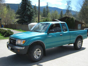 1999 Toyota Tacoma extended cab Pickup Truck