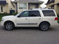 2008 Lincoln Navigator SUV, Fully Loaded, Great Condition!
