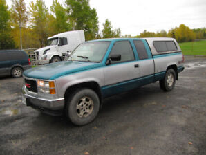 1994 GMC SIERRA 1500 PICKUP 4/4 WITH TOPPER