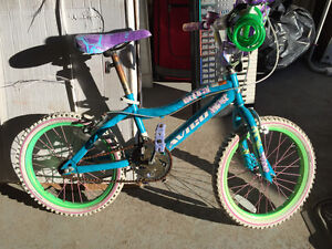 Kids bicycles and Remorque