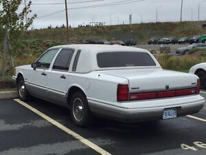 1992 LINCOLN Towncar SIGNATURE SERIES!!!