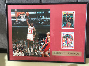 MICHAEL JORDAN FRAMED PICTURE WITH 2 CARDS