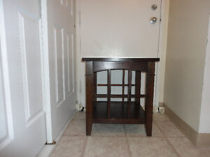 Solid wood Table/Night table/ Side Table for sale only $45