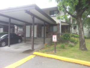 FOR RENT $2,000 -  2BR, 1WR Townhouse at Glencoe Complex in Surr
