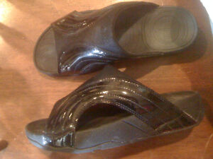 Fittlop size 9 sandals