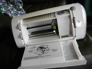 Cricut scrap booking machine for cutting