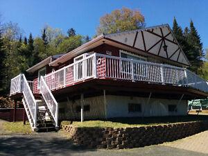 Chalet -Mont-Tremblant- Disponible mai-juin 2016