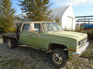 1990 Chevrolet 3500 1 ton Crewcab 4x4 flat bed