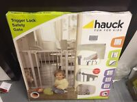 Hauck baby safety gate