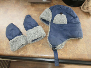 12 - 24 mth Winter Hat & Mitts Set